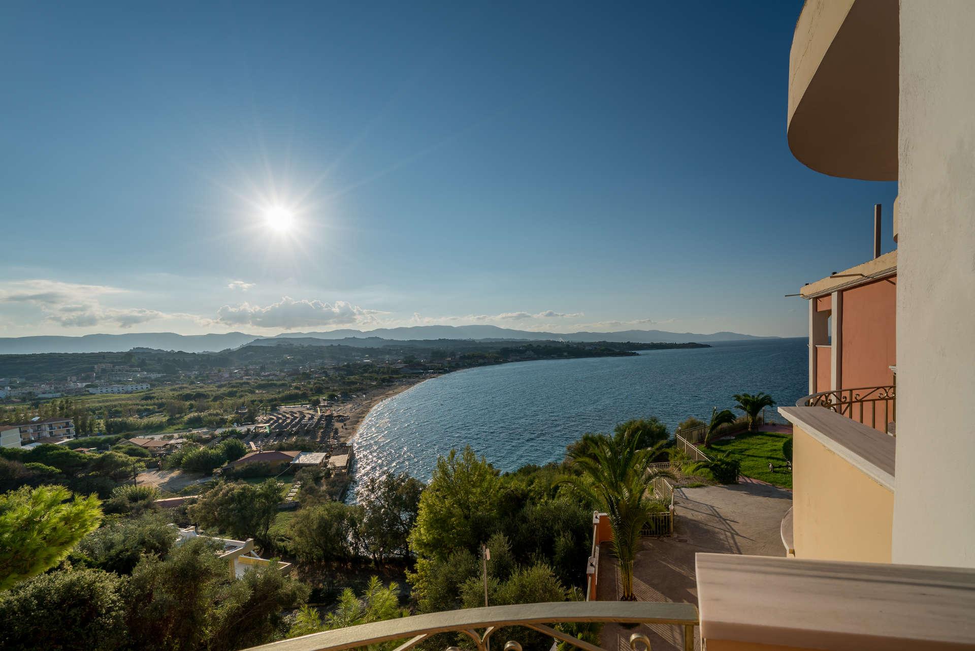Balcony boutique hotel tsilivi zakynthos for The balcony hotel zante